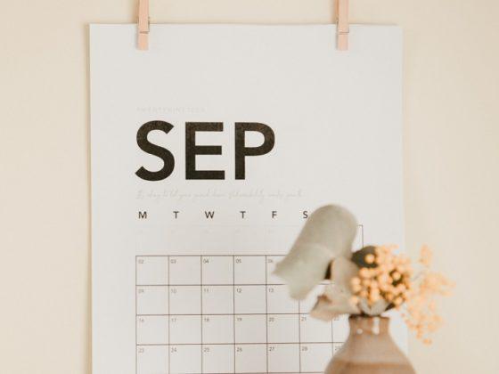 Jadéclo vous a préparé le calendrier marronnier septembre 2021 rien que pour vous !