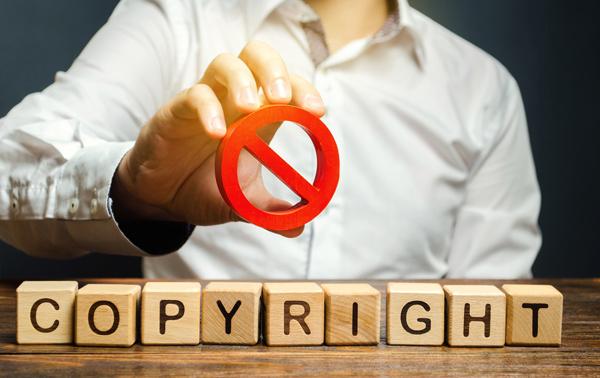 Utilisez Google Images pour trouver des images libres de droits gratuites